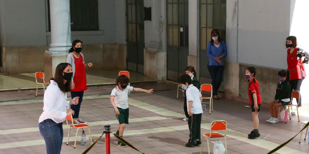 Empiezan las clases en cuatro distritos