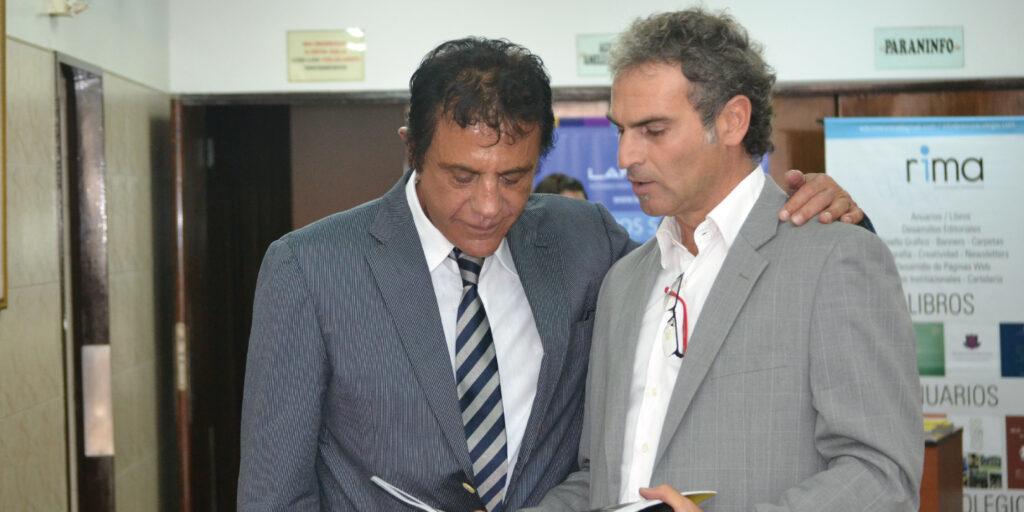 El Dr. Edgardo N. De Vincenzi junto a Marcelo Rivera, director de revista Colegio